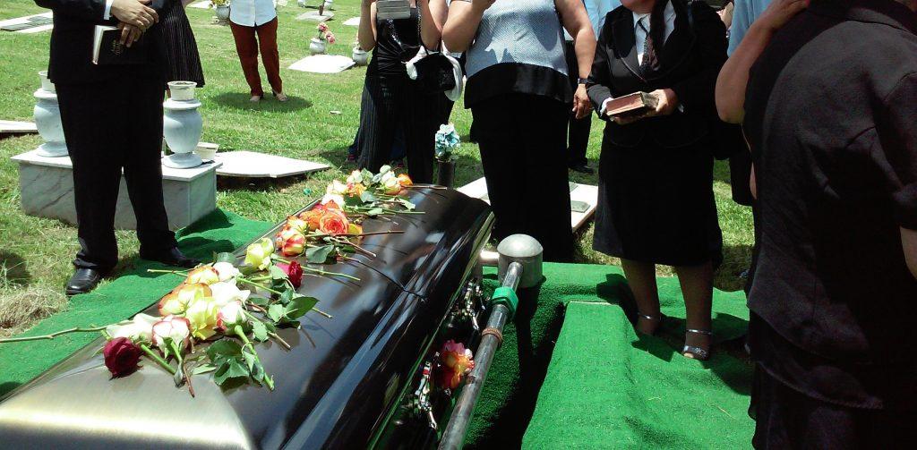 funeral confesor de ataud