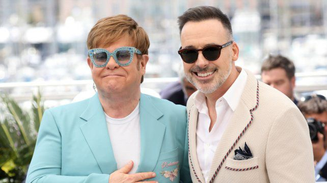 Elton John famosos que desheredaron a sus hijos